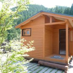 大和展示場 キッチンカウンターのある ミニコテージ風 ログキットハウス(岐阜県 郡上市)