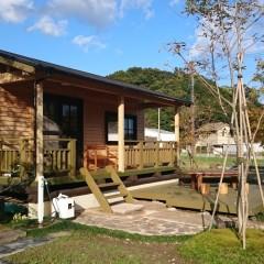 自然の中で、豊かな植栽と四季を愉しむミニログキットハウス(宮崎県・宮崎市)