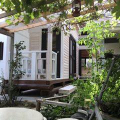 自宅の離れに 白いログハウスの書庫と趣味の部屋(京都府 宇治田原町)